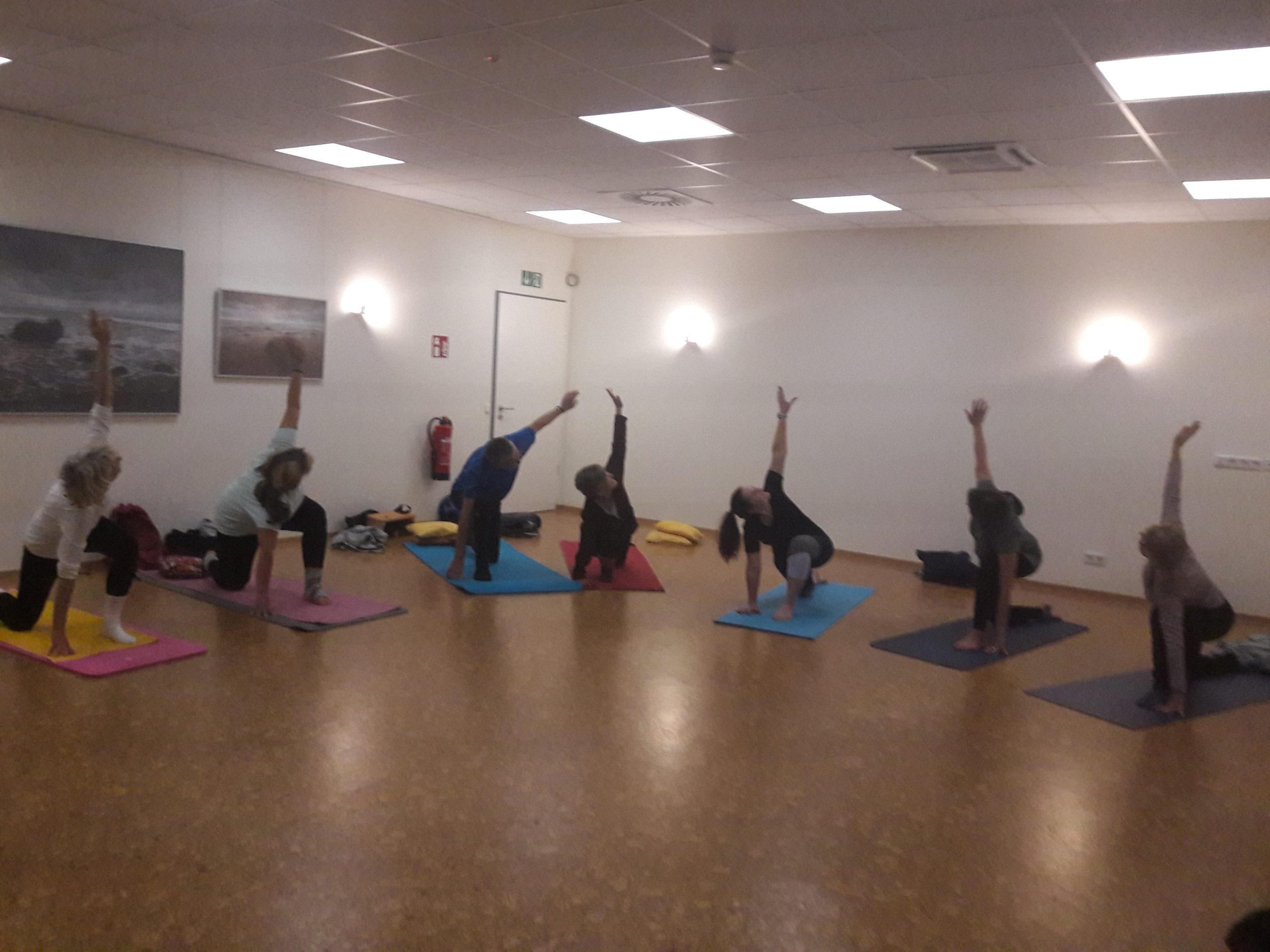 Yoga Relax  (Kurs 1) @ Hahnerberger Apotheke -Gesundheitshelden | Wuppertal | Nordrhein-Westfalen | Deutschland